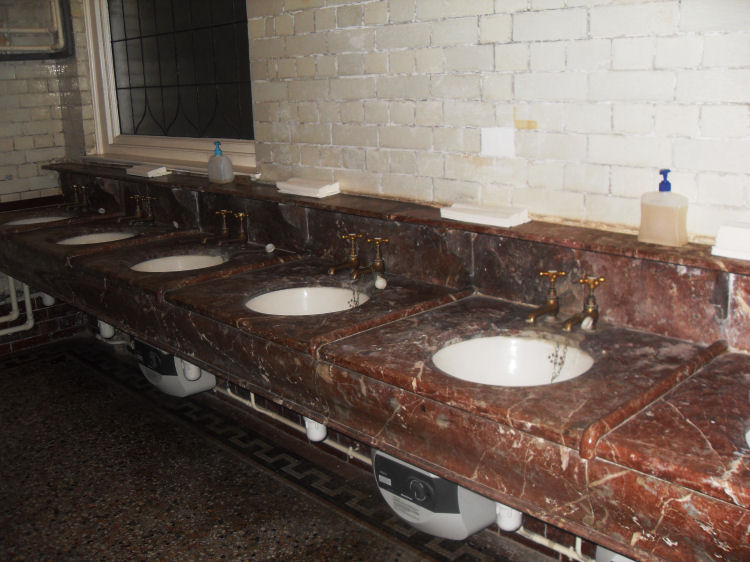 Thomas Crapper Sinks