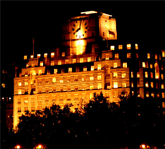 Shell Mex house largest clock in London