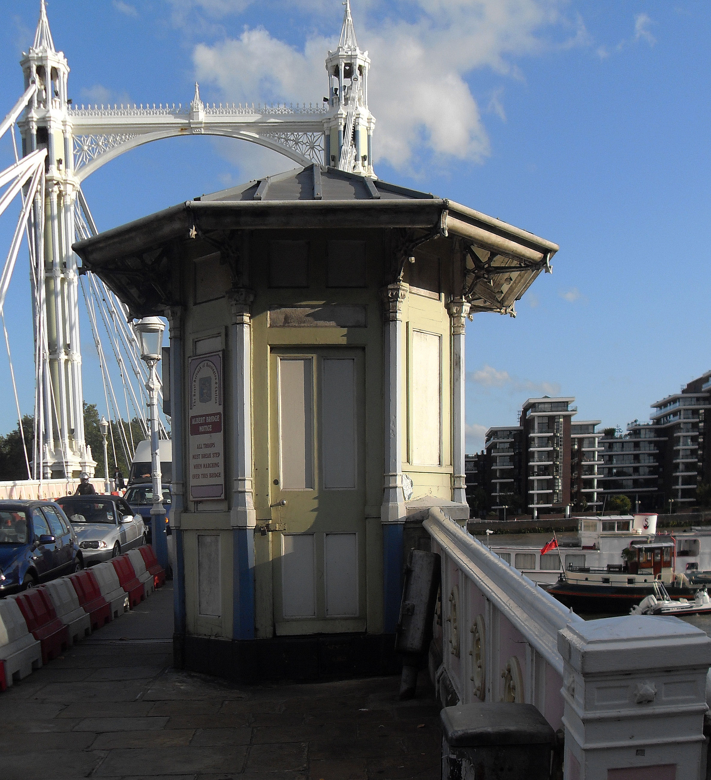 Albert Bridge Tollgate hut